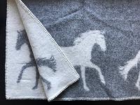 Wollen plaid met paardendessin, grijs/wolwit
