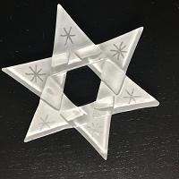 Ster van glas, wit met zilveren sterretjes